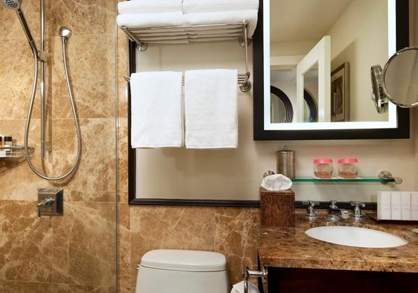 Historic Guestroom Bathroom