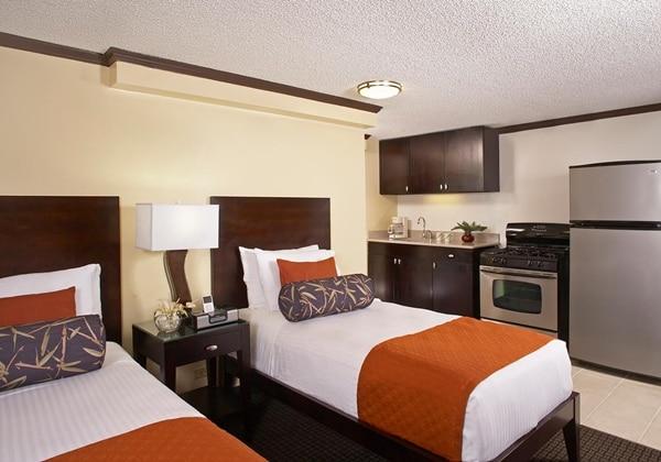 1Bedroom Suite with Kitchen