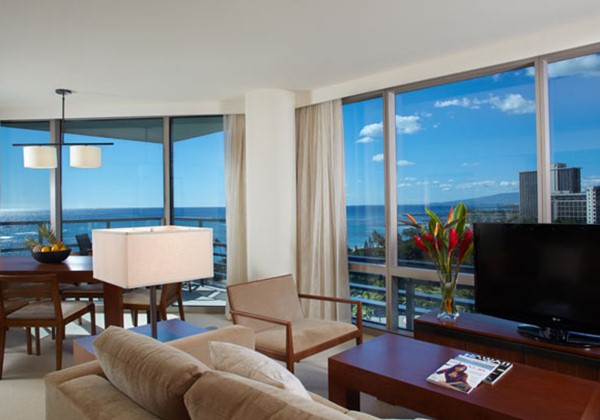 Premium 2Bedroom+Den Ocean Front Suite