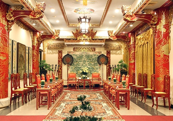 Le Royal Restaurant
