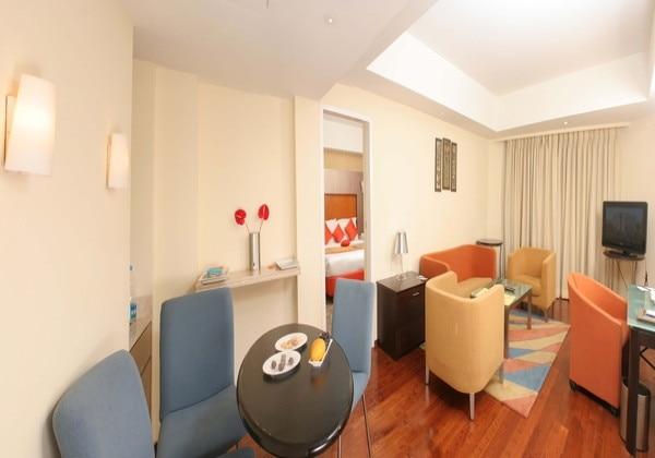Suite Leaving Room