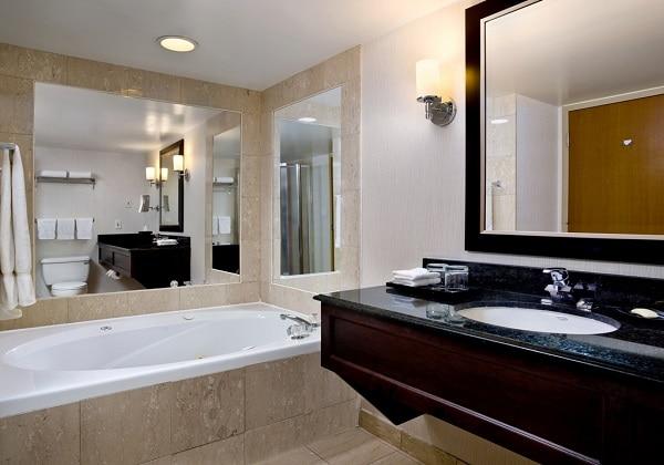 コーナースイート 浴室