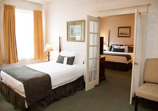 2 Room Suite 2 Beds