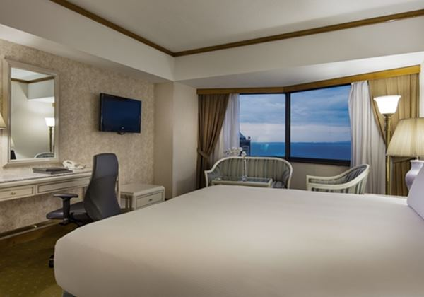 King Deluxe Sea View