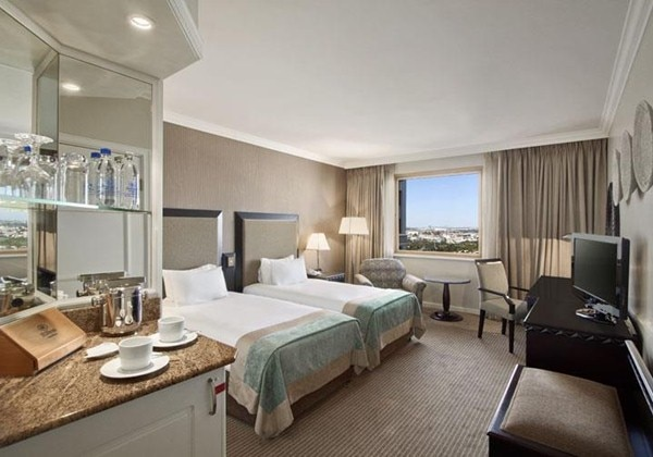 TWIN HILTON GUEST ROOM