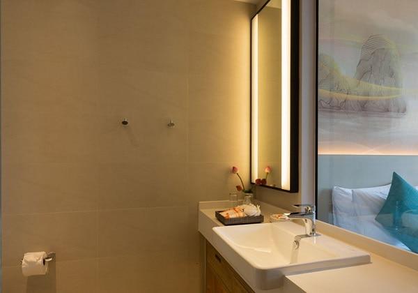 D Light Seaview Room