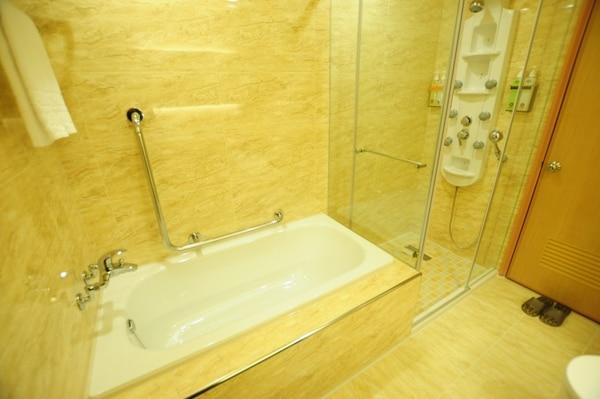 ビジネス ダブル 浴室