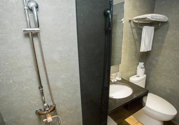 Standard Double No Window