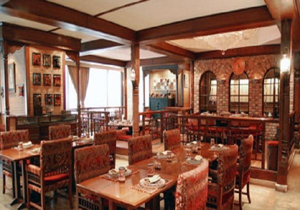 パキスタン二 レストラン
