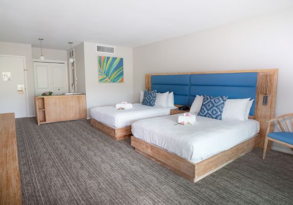 Renovated 2 double beds room