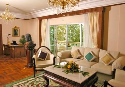 Royal Sokha Suite Living Room