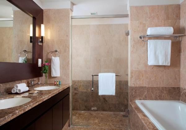 One Bedroom Executive Bathroom
