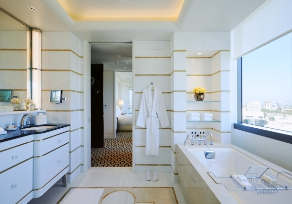 Beverly Hills Suite Bathroom