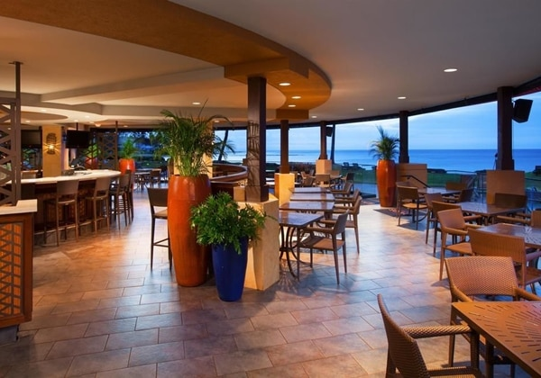 Restaurant-Lavas on Poip Beach