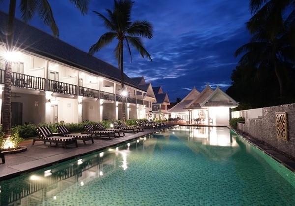 Exterior&Pool