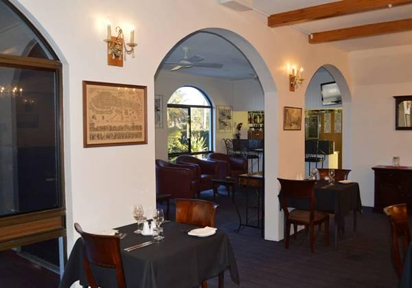 Rialto Restaurant & Bar
