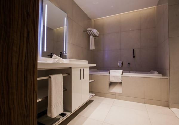 One Bedroom Apartment-bath room-