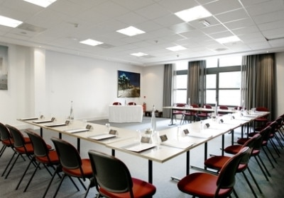 Manon Meeting Room