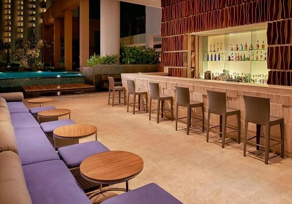 Plunge Pool Bar