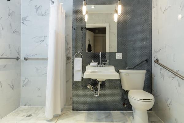 Accessible Bathroom /アクセシブル バスルーム