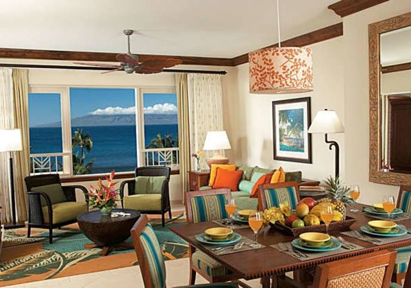 Oceanfront Villa - Living & Dining Room