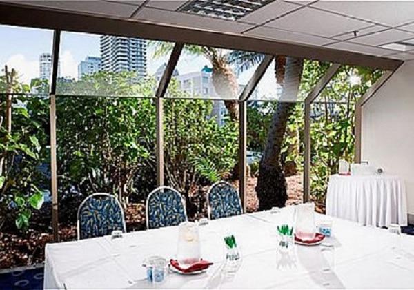 Paradise 1 Meeting Room