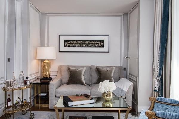 hOTEL De Crillon, A Rosewood Hotel                     (オテル ドゥ クリヨン  ローズウッド ホテル)