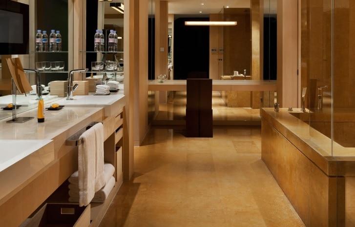 Penthouse Suite Bath room