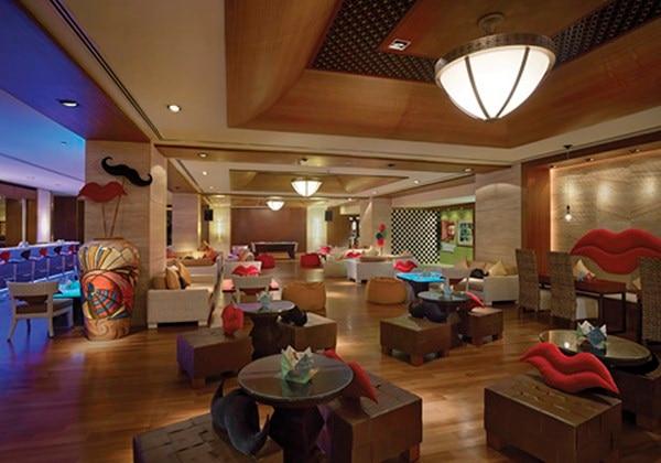 F.I.P. Lounge - Interior