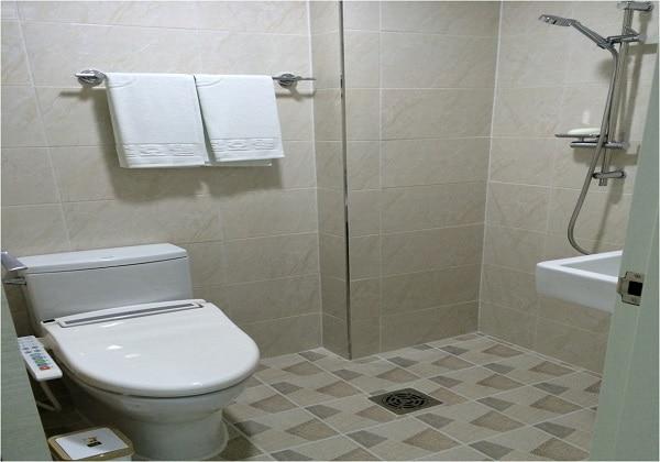 新館-BATH ROOM
