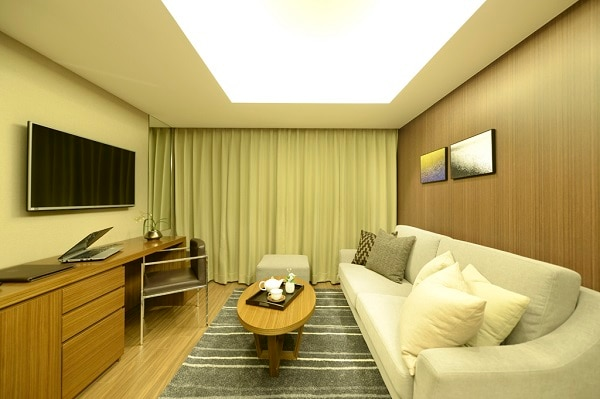Corner Deluxe Room
