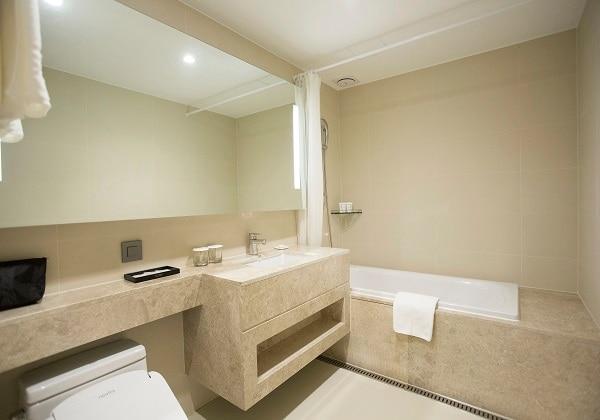 Deluxe Ondol Bathroom