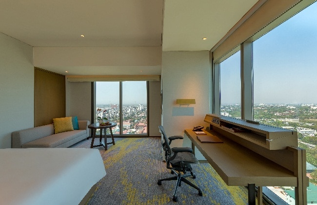 Premier Corner Room
