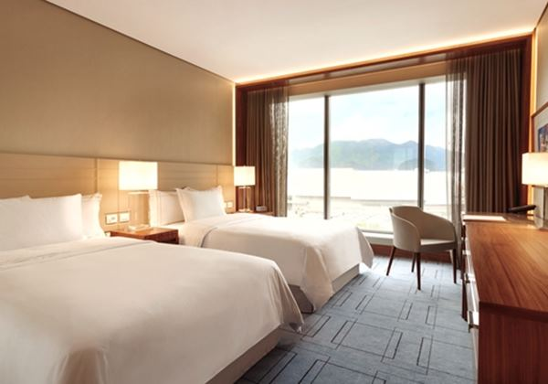 2 Double Bed Deluxe Lagoon View