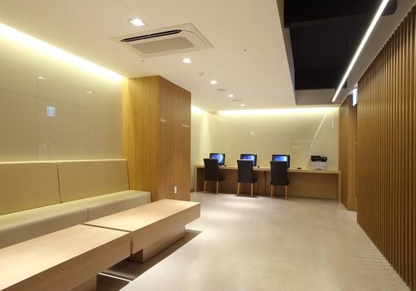 Business Center 02