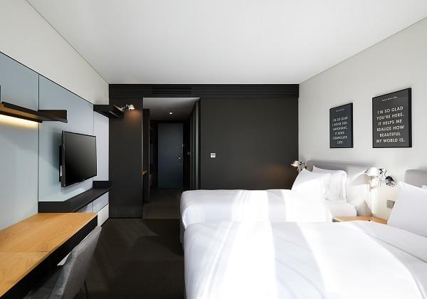 Twin Room 02