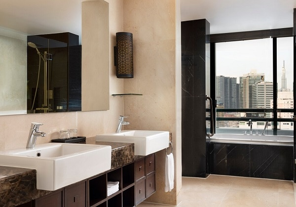 Grand Tower Suite - Bathroom