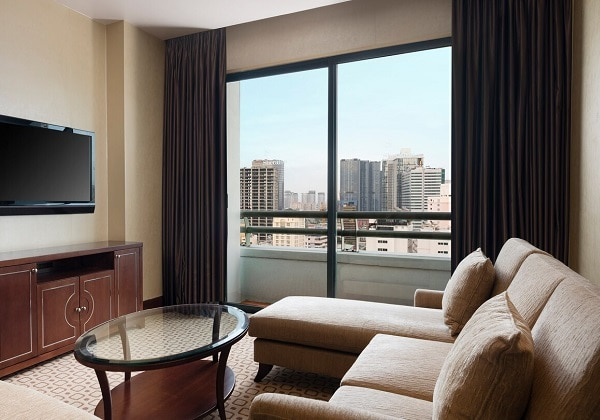 Grand Tower Suite - Living Room