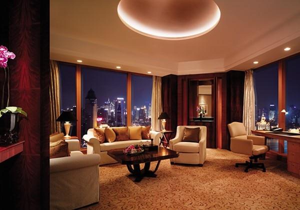 Grand Tower Horizon Club Premier Suite