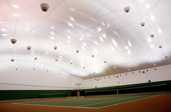 室内テニスコード