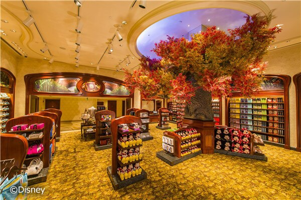 Hotel Shopping: Tinker Bell Gifts