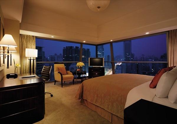 Deluxe City Room