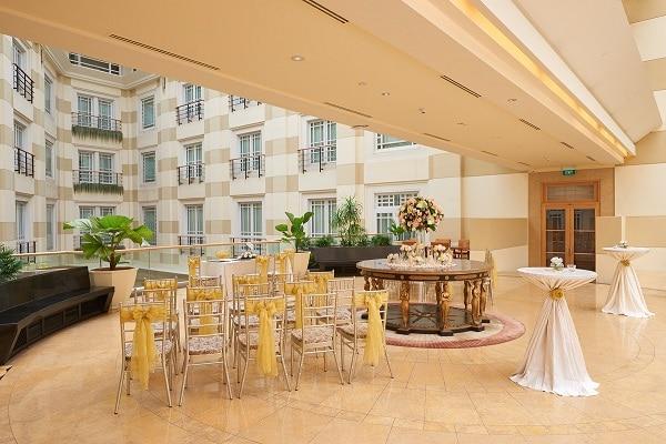 The Fullerton Hotel Singapore - Roof Gar
