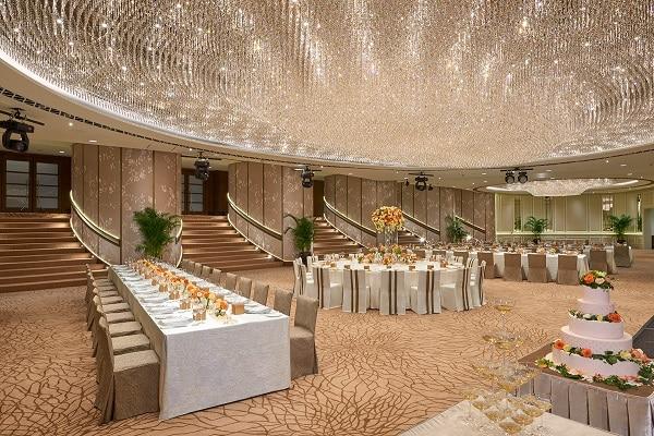 Ballroom - Wedding Long Table Setup (II)