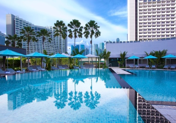Pan Pacific Singapore Swimming Pool (Day