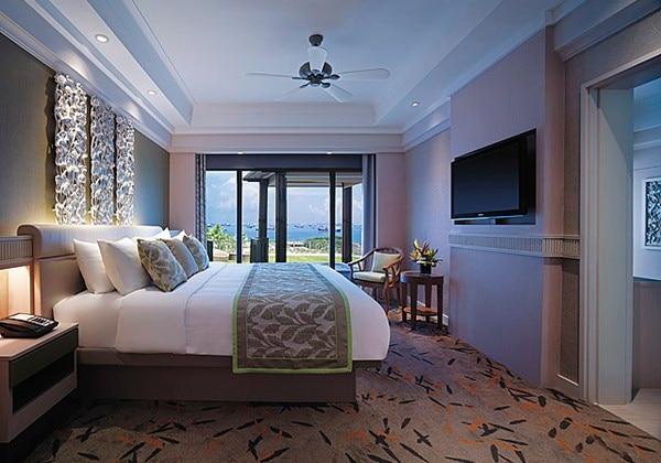 Deluxe Sea View Suite