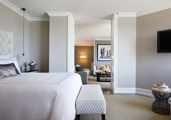 ONE-BEDROOM CITY ROYAL SUITE