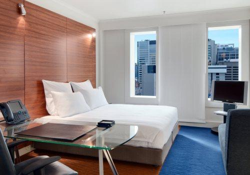 Hilton King Guestroom Plus