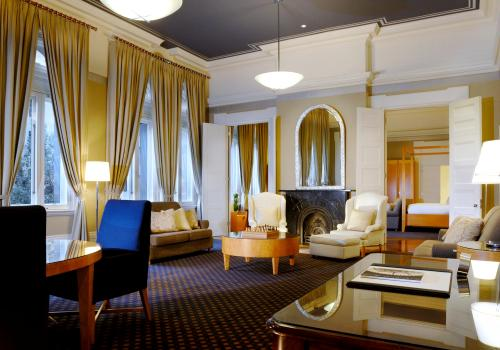 Heritage Long Suite