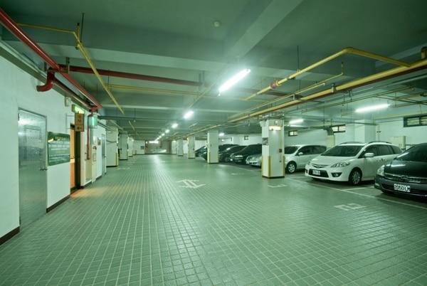 駐車場(地下)
